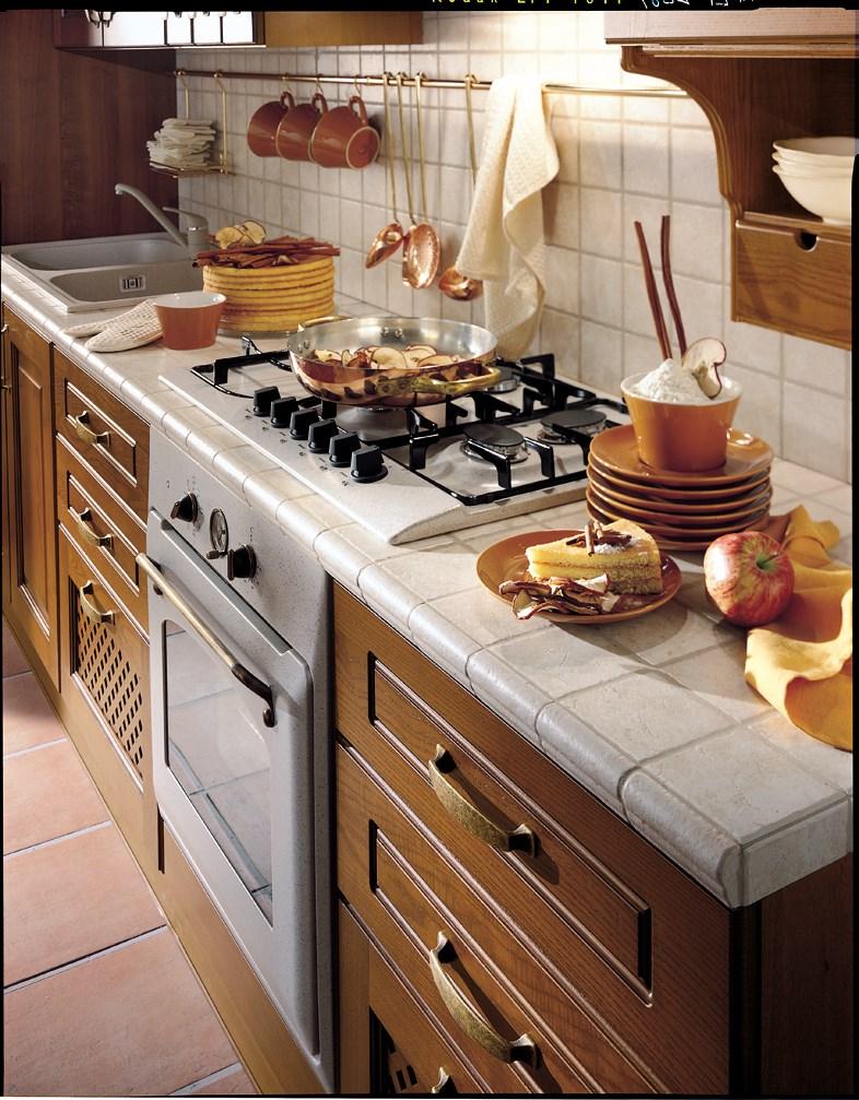 Piano Cucina Piastrellato.Piani Da Lavoro E Superfici Piastrellate Per Cucina